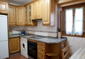 Amplia cocina completa