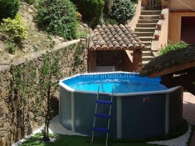 L 39 amagatall de cal tonedor 2 casas rurales en for Casas con piscina barcelona