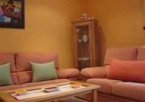 Sala de de estar con sofás