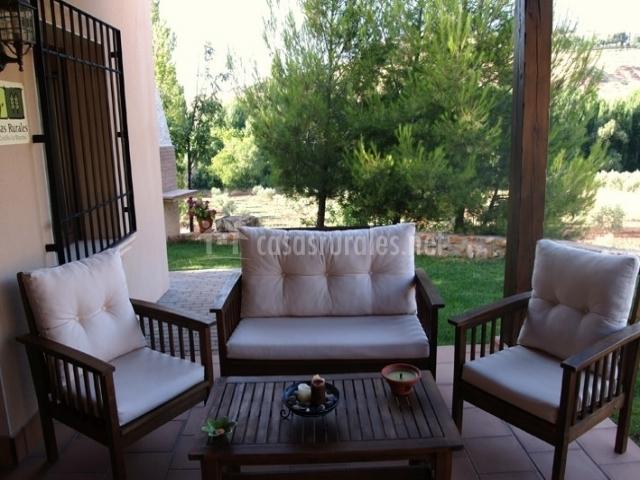 muebles acolchados en el porche