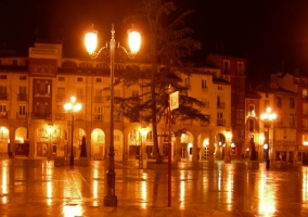 Cae la noche en Logroño