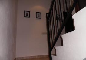 Escaleras de acceso a un piso de la vivienda
