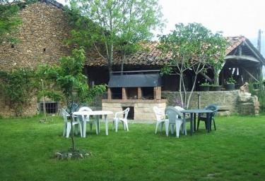 Casa Rural Josefina Apartamento 3 - Aliezo, Cantabria