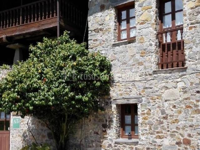 Apartamento la chubar ca xuacu casa rural en luarca asturias - Casa rural luarca ...