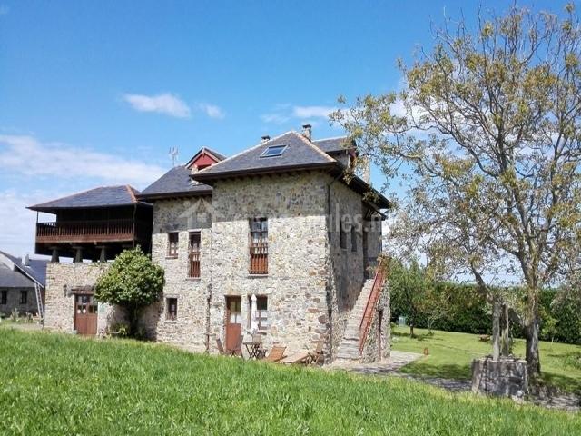 Apartamento la chubar ca xuacu en luarca asturias - Casa rural luarca ...