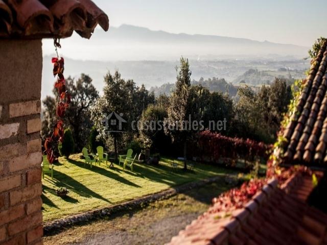Mas el corral en santa cecilia de voltrega barcelona - Mobiliario jardin barcelona ...