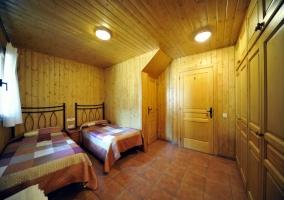 Dormitorios con dominio de la madera
