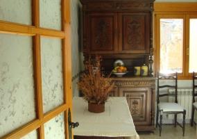 Mueble de madera en salón