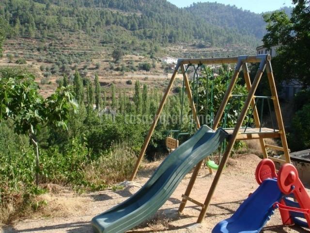 Parque infantil en el complejo
