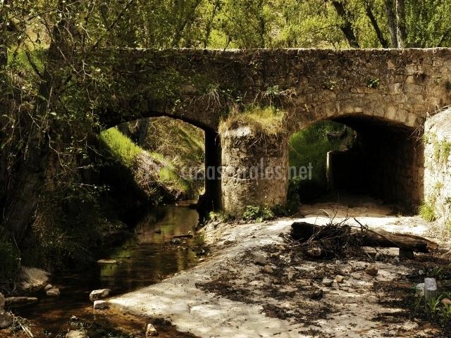 Puente romano del río Bornova