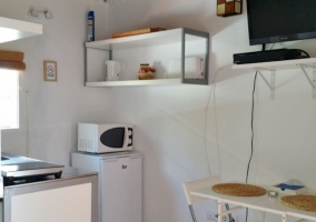 Cocina moderna y equipada