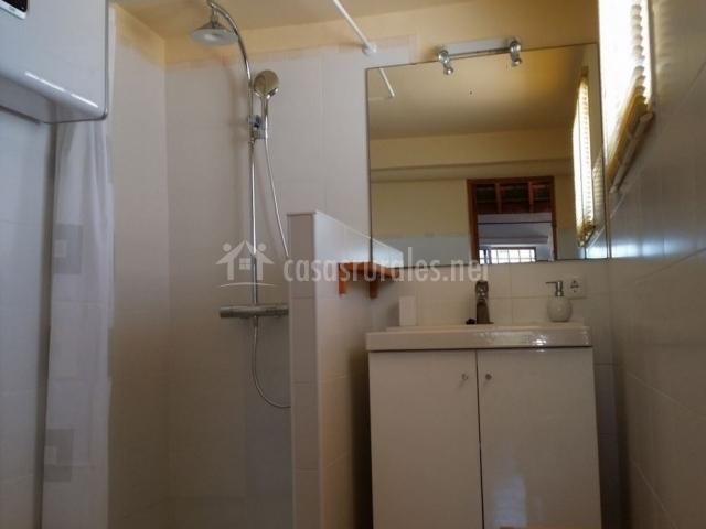 Bungalow suite con vistas mar mandala bungalows en los for Cuarto de bano completo