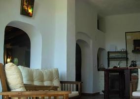 Mesa grande de comedor y sala de estar