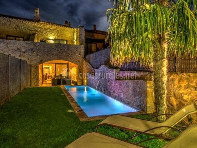 Can caranta casa aurora en pals girona for Casa rural girona piscina