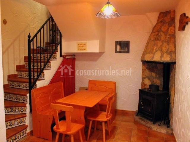 Casa rural la caseta del forn en vistabella del maestrazgo castell n - Casa rural con chimenea en la habitacion ...