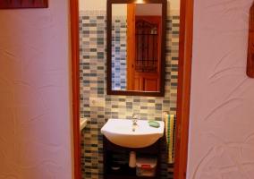 Cuarto de baño desde la puerta