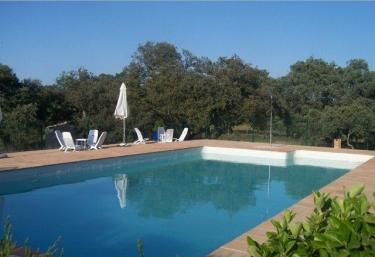 Casas rurales con piscina en el castillo de las guardas - Casa rural banos de la encina ...