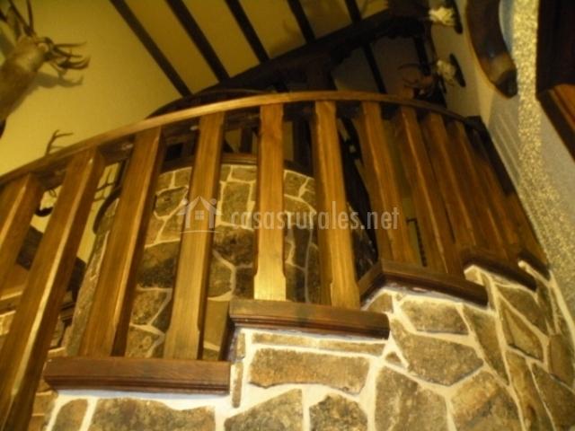 Escalera de acceso a la planta superior de la vivienda
