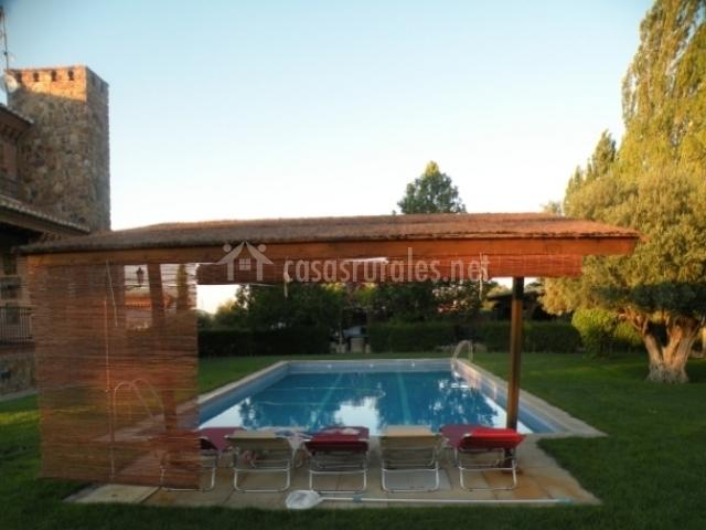 Casa rural el carrascal en galvez toledo for Piscina el carrascal