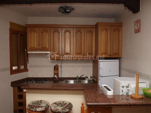 Barbero bajo marque o casas rurales en vianos albacete - Taburetes para cocina americana ...