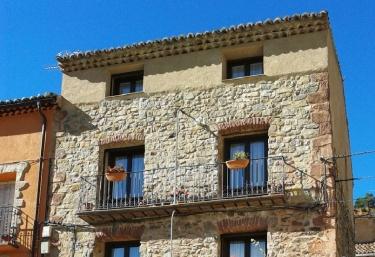 4 personas-  Las Cárcavas - Noguera De Albarracin, Teruel