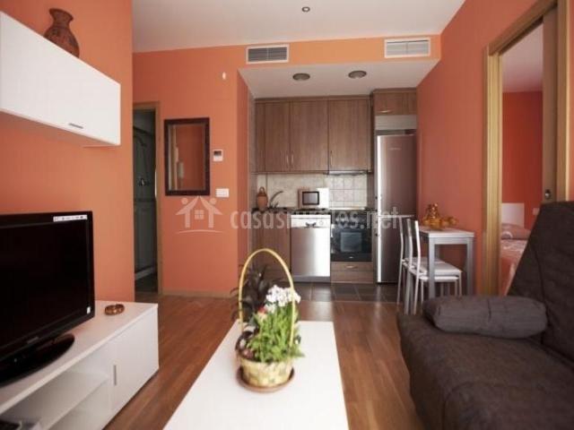 Sala De Estar Y Cocina ~ Sala de estar y comedor con la cocina abierta