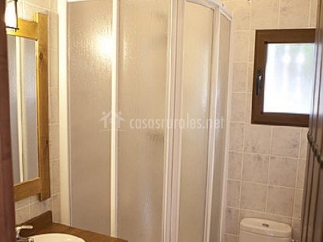 Fuentelisa 3 en paterna de madera albacete - Ver cuartos de bano con plato de ducha ...