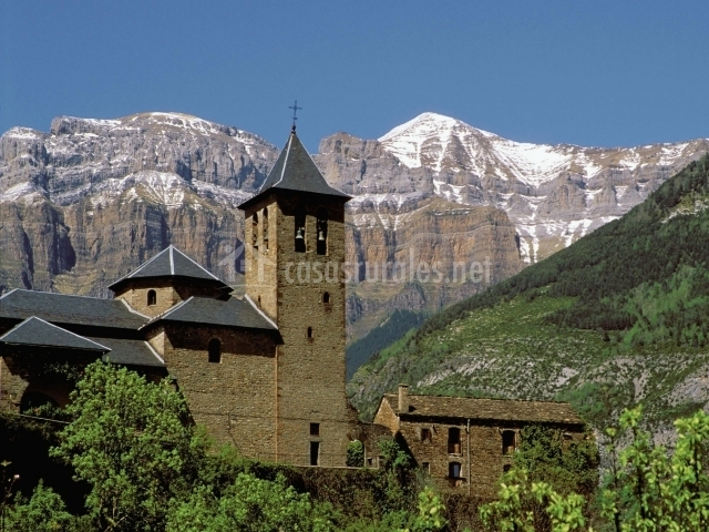 Iglesia de Torla y Ordesa