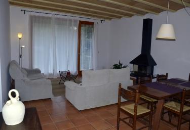 Casa Canigó - Llado, Girona