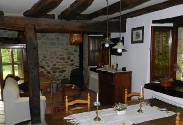 Casa Rural Los Lirones - Angulo, Burgos