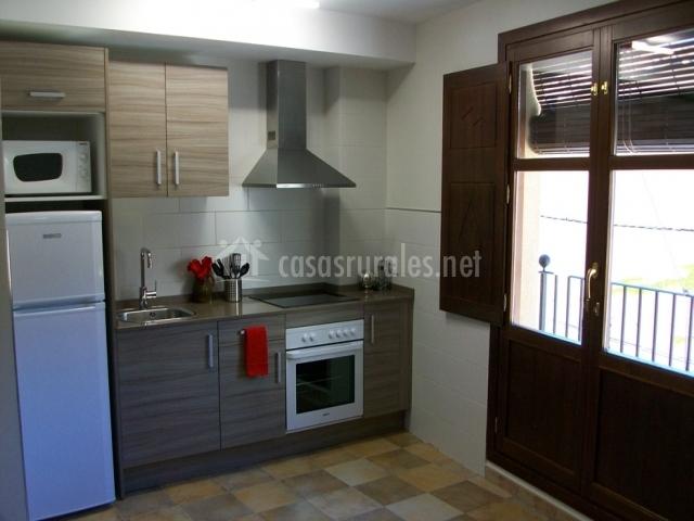 Tremoncillo apartamentos san gregorio en alquezar huesca for Muebles de cocina huesca