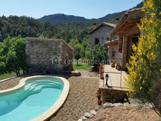 Can santal en cantallops girona for Casa rural girona piscina