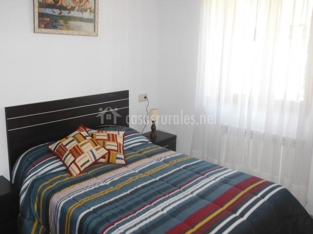 Apartamento 1 casa borja en salinas tella huesca - Paredes dormitorios matrimonio ...