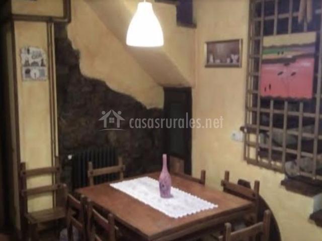 Comedor de la casa con sillas
