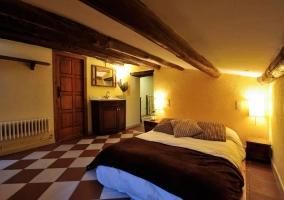 Dormitorio con ambiente acogedor