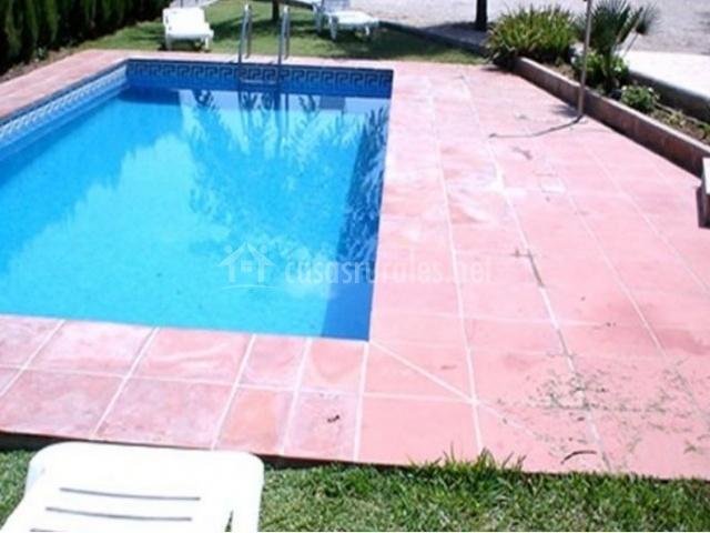 Casa rural mas torrent en el perello tarragona for Hamacas de piscina