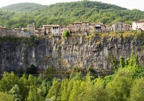 Castellfollit de la Roca (15m)