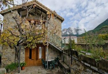 Casa El Cajigar- Casas Rurales Urmo - Laspuña, Huesca