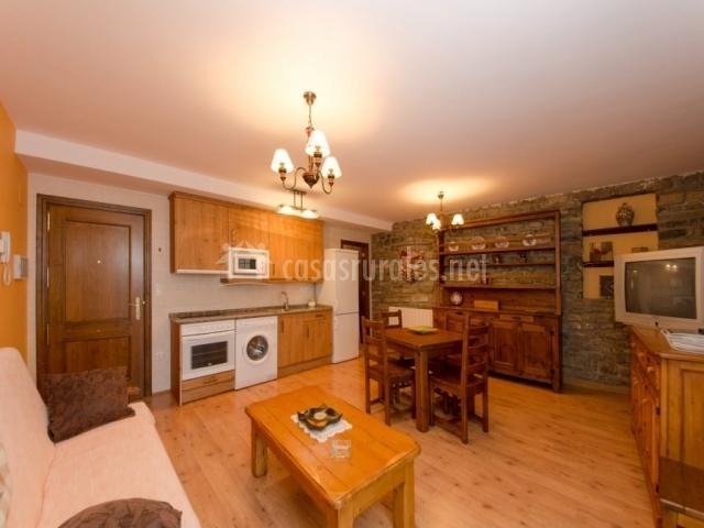 Apartamento Naranja - Casa Aneta - Apartamentos rurales en Sarvise ...