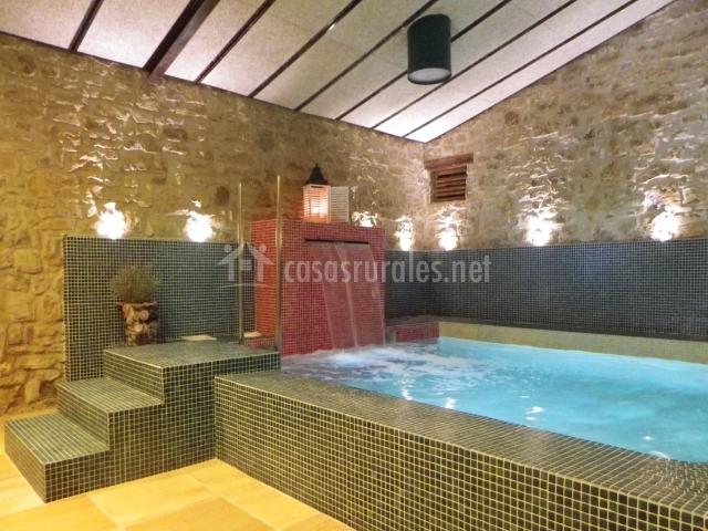 El celler de cal prat en calonge de segarra barcelona for Casa rural piscina climatizada interior