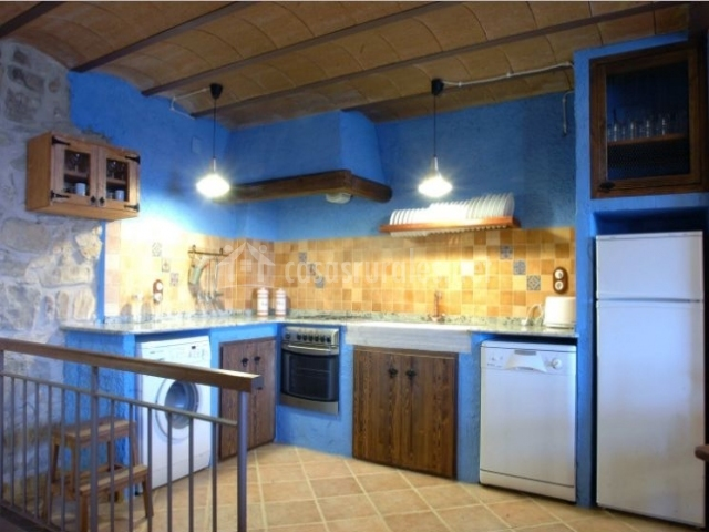 Cocina con detalles en color azul