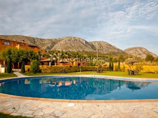 Can junqu en ulla girona for Casa rural girona piscina