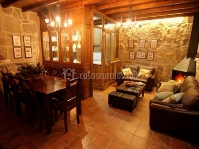Casa da mui eira en cambados pontevedra for Sala de estar en el patio