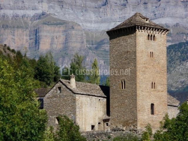 Fachada exterior de la Torre Oto