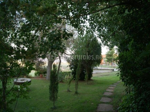 Jardín con vegetación autóctona
