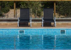 Mobiliario de piscina