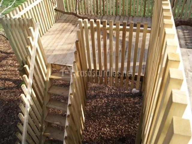 Escaleras de acceso a la terraza del exterior