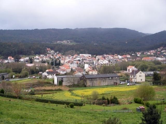 La sierra de Outes y la localidad