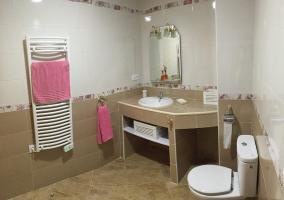 Amplios baños