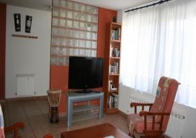 Televisión plana de la vivienda